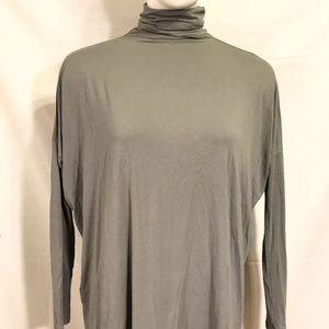 Size medium green/gray turtleneck tunic